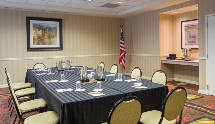 hiltongarden meetingroom