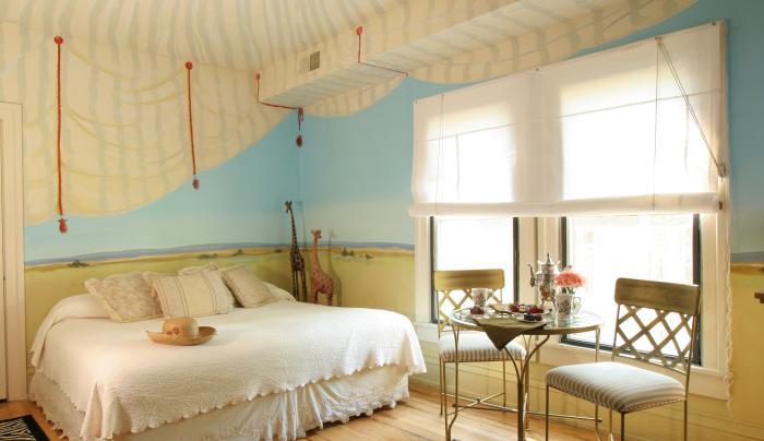 Spence Hotel Room