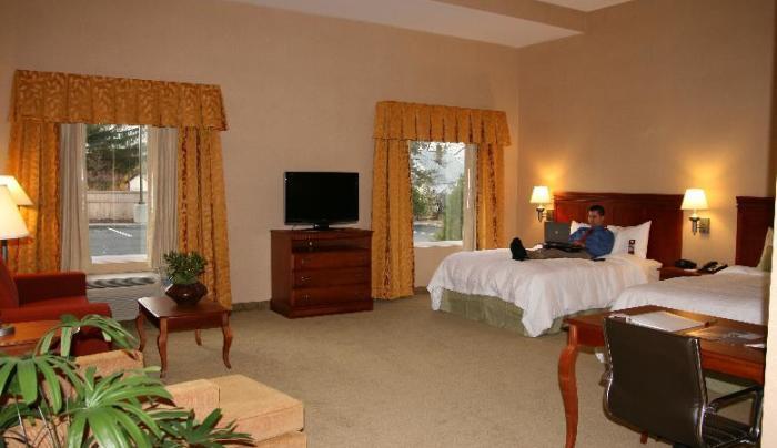 QXHO Guestroom.jpg