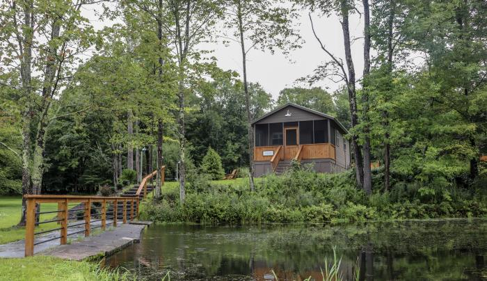 Pond View Cabin
