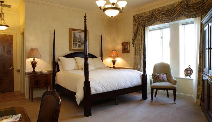 OHEKA CASTLE - Guestroom