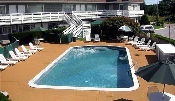 5018_613_Harborside Motel pic.jpg