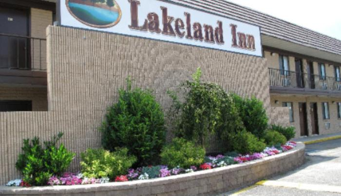 Lakeland Inn