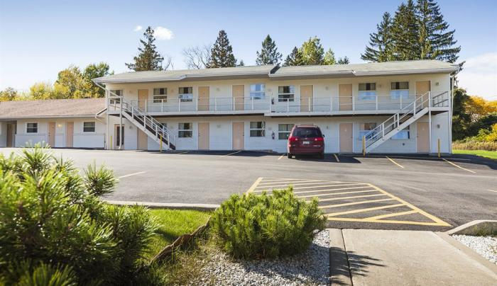 Embassy Inn Motel