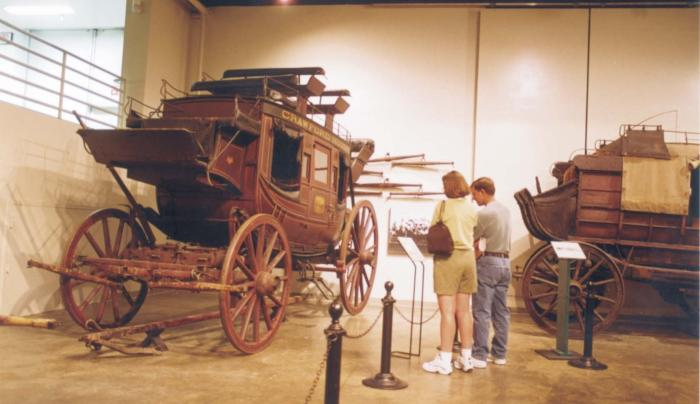 13C. Carriage Museum Stony Brook.jpg