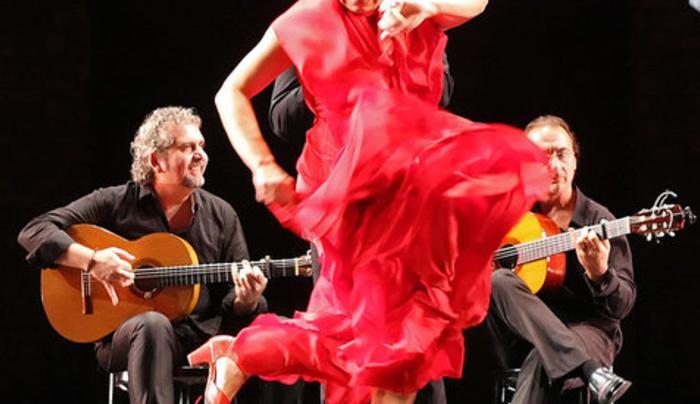 Kaats - dance with musicians