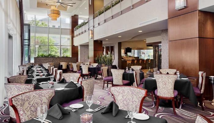 Della Terra Restaurant