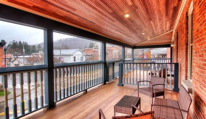 suite deck overlooking village of Ellicottville
