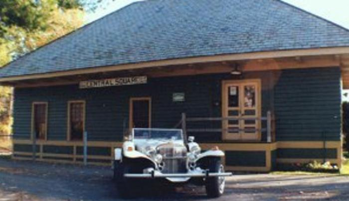 Exterior with classic car
