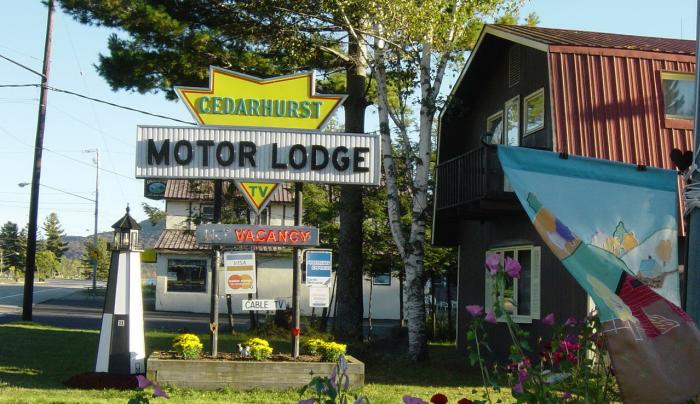 Cedarhurst Motor Lodge in Speculator