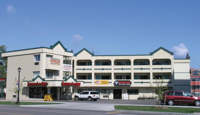 Econolodge at the Falls South