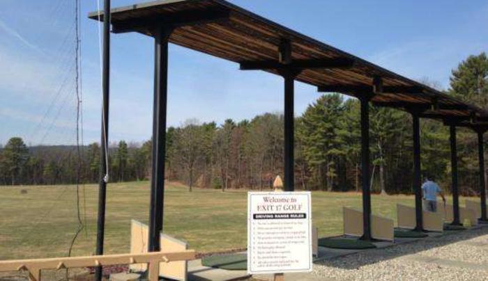 Exit 17 Range and Mini-Golf