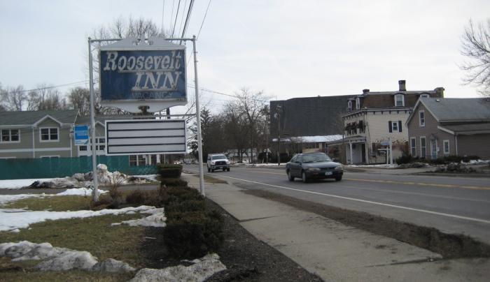 Roosevelt Inn - sign