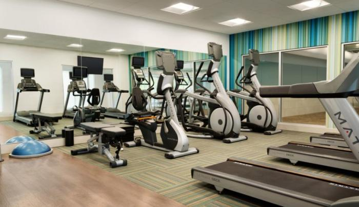 Holiday Inn Express Oneonta Fitness Room