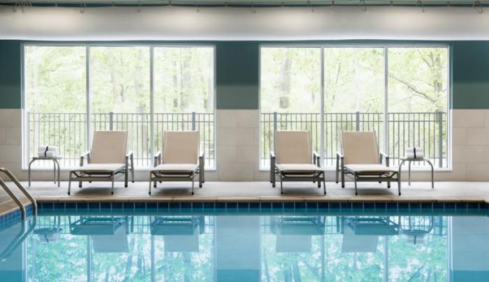 Holiday Inn Express Oneonta Indoor Pool