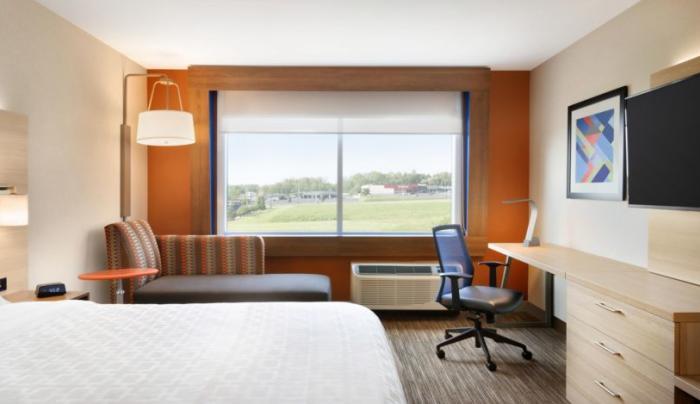 Holiday Inn Express Oneonta Room 2