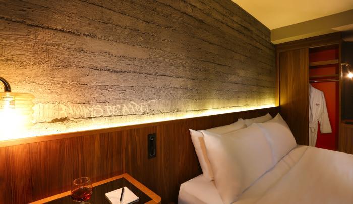 Hotel Henri - Room Accommodation