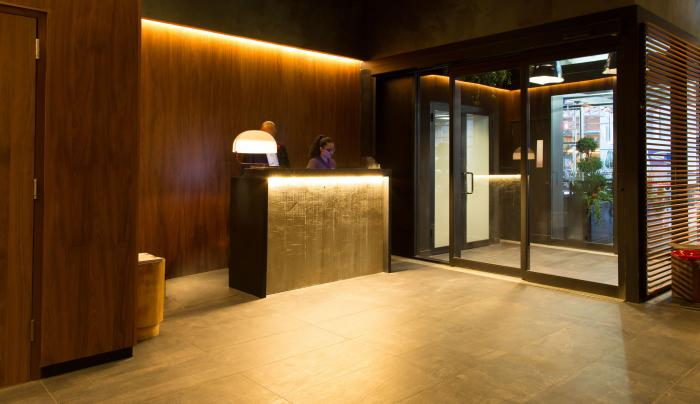 Hotel Henri Lobby