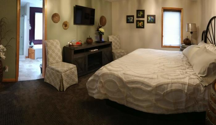 Vineyard Room-King Size Bed