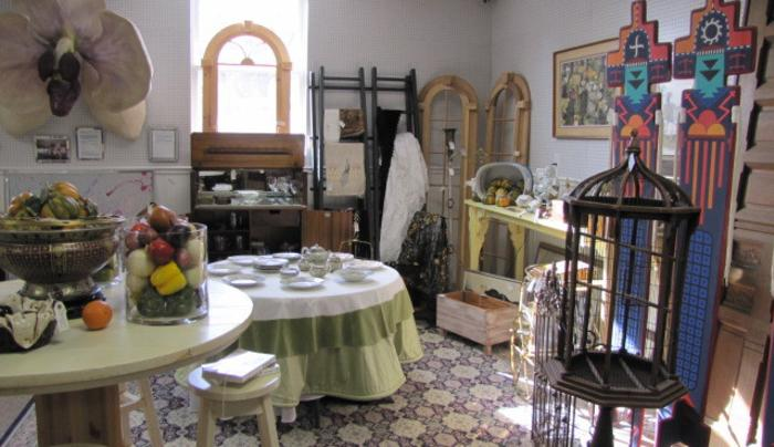 Antique Emporium - display 1