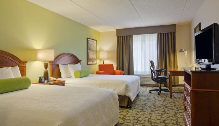 Hilton Garden Inn Islip MacArthur Airport Hotel Guest Room
