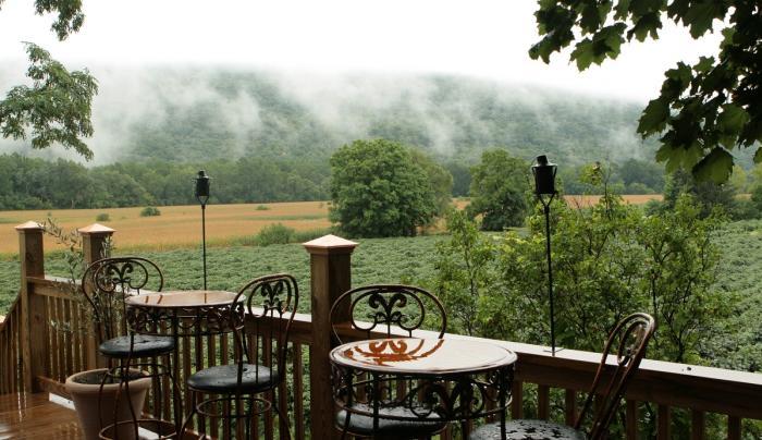 inspire-moore-naples-exterior-porch