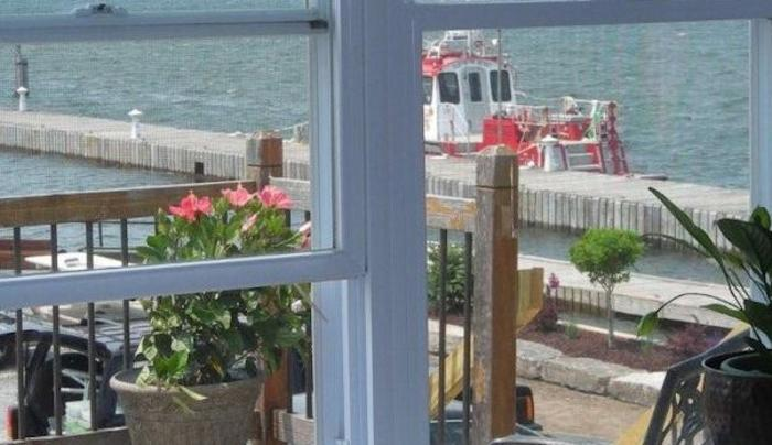 Islander Inn & Marina