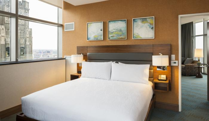 Hilton Garden Inn New York Long Island City/Manhattan View King Suite