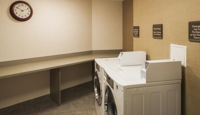 Hilton Garden Inn New York Long Island City/Manhattan View Laundry Center