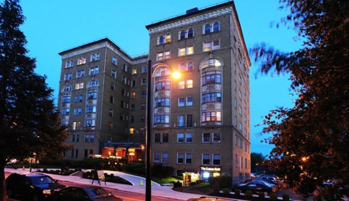 Lenox Hotel & Suites