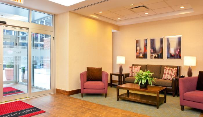 Hampton Inn Manhattan/United Nations Hotel Lobby
