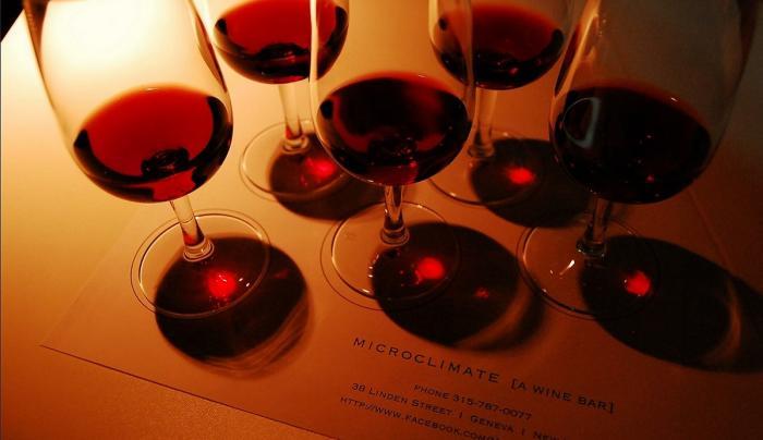 microclimate-geneva-interior-wine