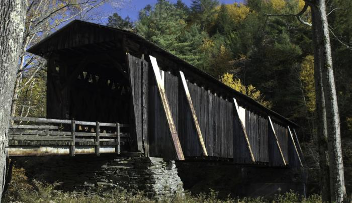 Halls Mill covered bridge entry