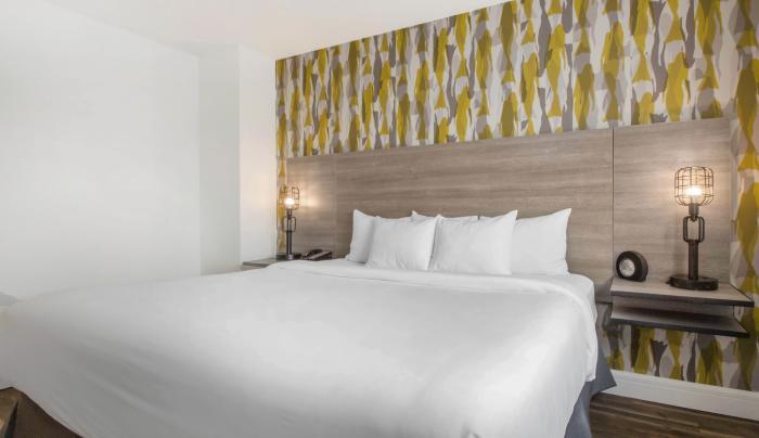 Look Hotel King Room 3