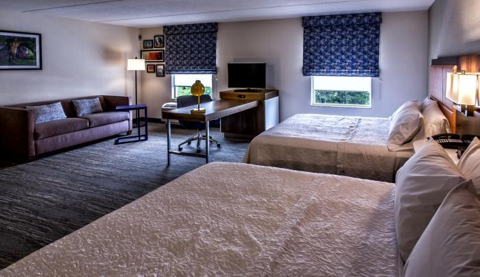 Hampton Room Angle 2