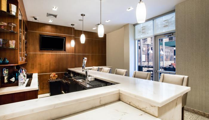 Bar at Hilton Garden Inn New York/West 35th Street