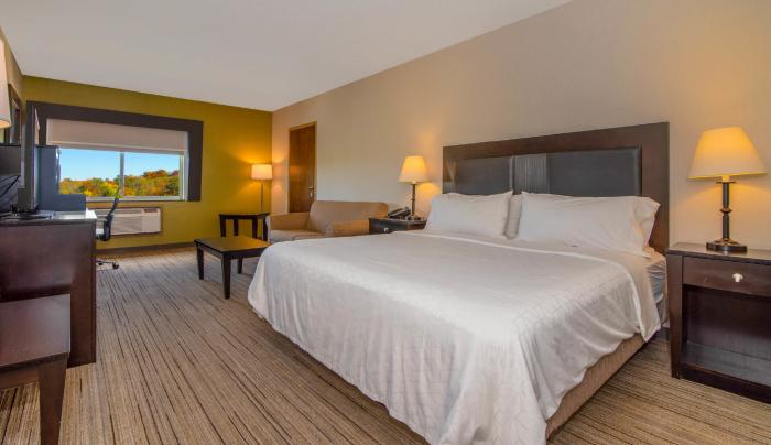 Newly renovated sleeping rooms include FREE hot deluxe breakfast!