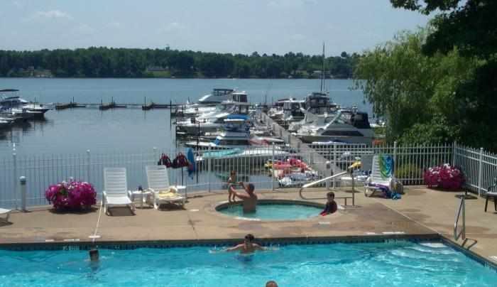 Oak Park Marina Pool and marina