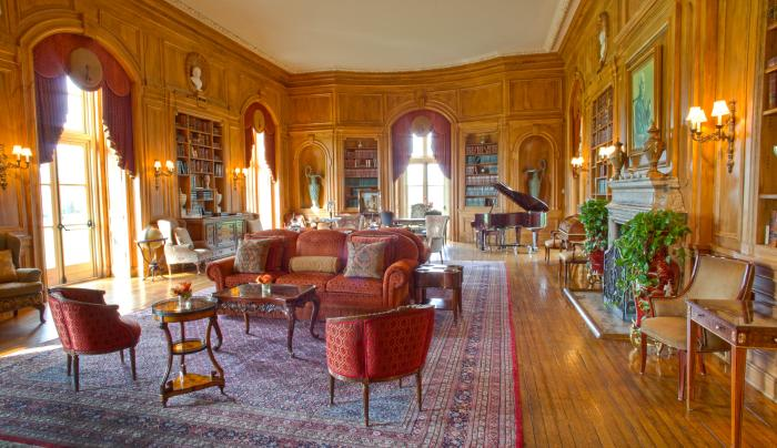 OHEKA CASTLE - Library