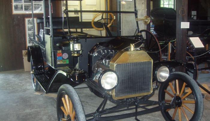 1916 Ford Model T at Rose Hill Mansion