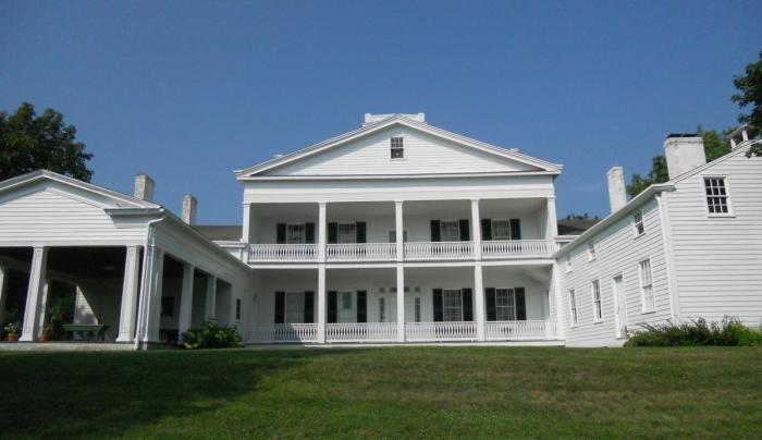Outside view of the back of Rose Hill Mansion