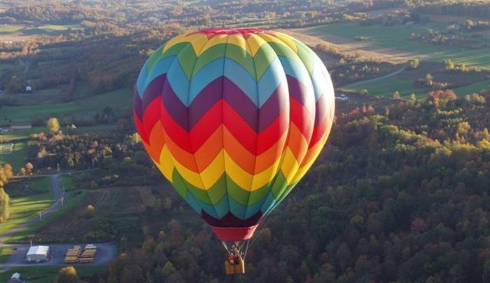 Royalty Ballooning Fall Flight