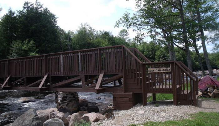 St. Regis Falls Scenic Campsite & Cottages