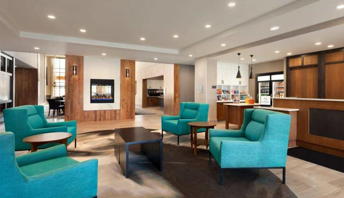 Homewood Suites by Hilton Syracuse - Carrier Circle Lobby Area