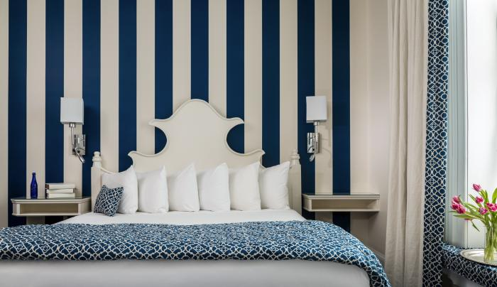 Saratoga Arms blue striped room