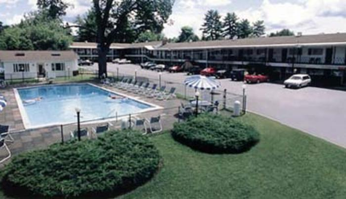 Turf and Spa Motel