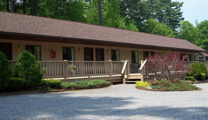 tall_pines_motel3.jpg