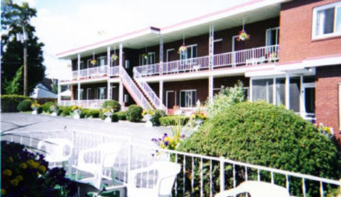 St. Charles and St. Francis Motel