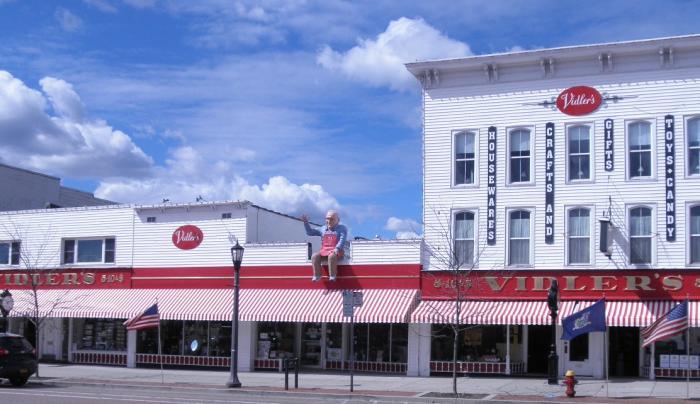 Vidler's 5 & 10 Main St., East Aurora