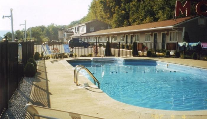 Berkshire Travel Lodge pool.jpg